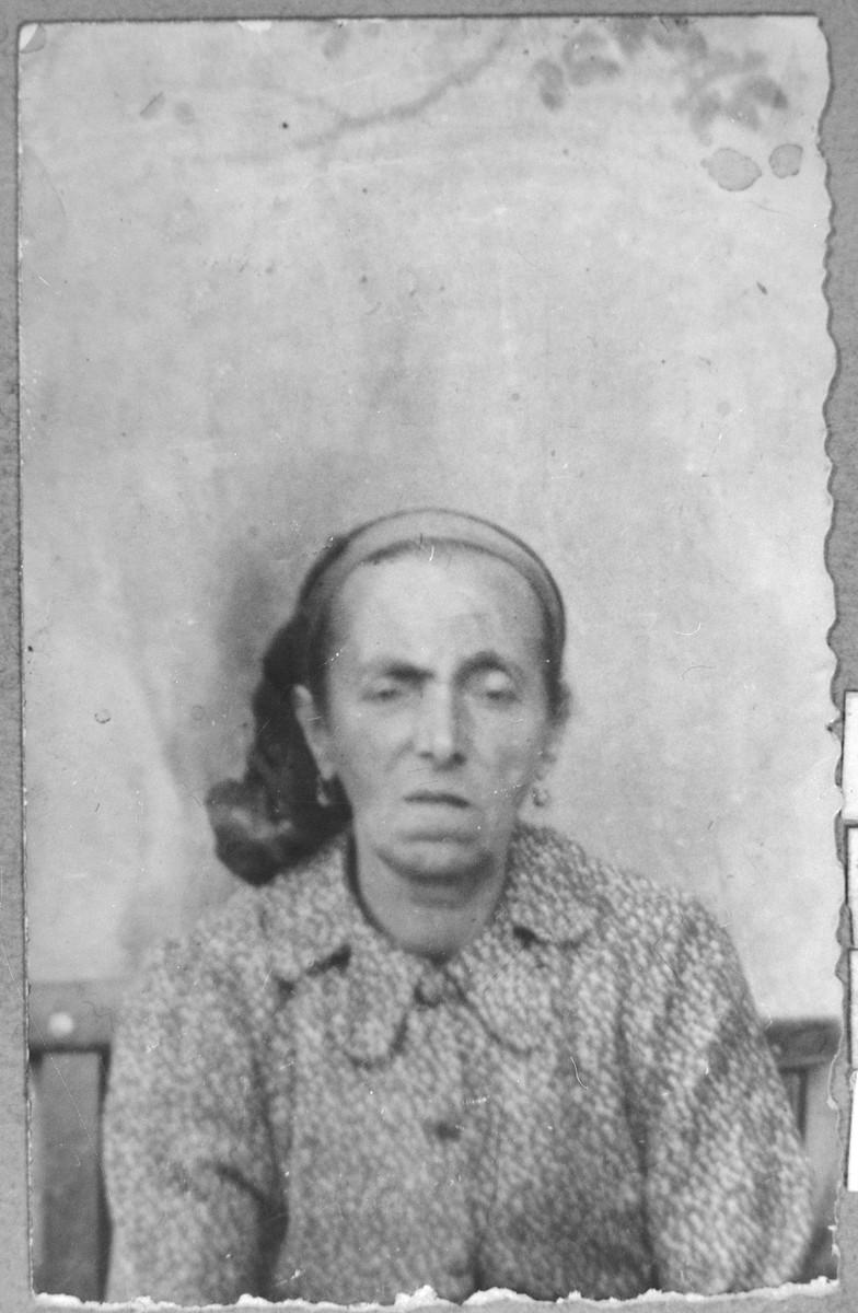 Portrait of Estrea Testa, wife of Shua Testa.  She lived at Yakchutseva 22 in Bitola.