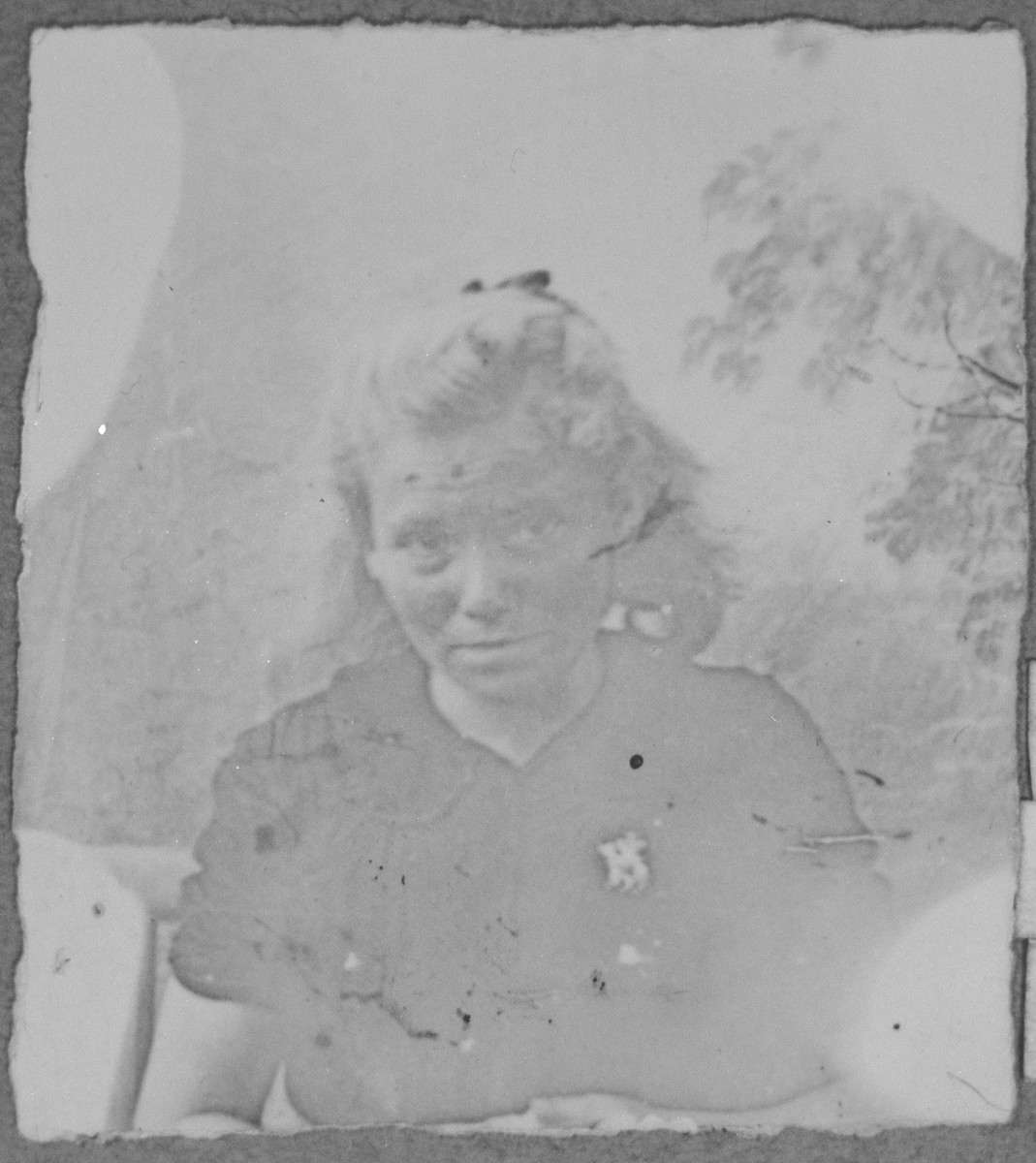 Portrait of Miriam Testa, [daughter of Moshe Testa].  She was a housemaid.  She lived at Drinska 119 in Bitola.