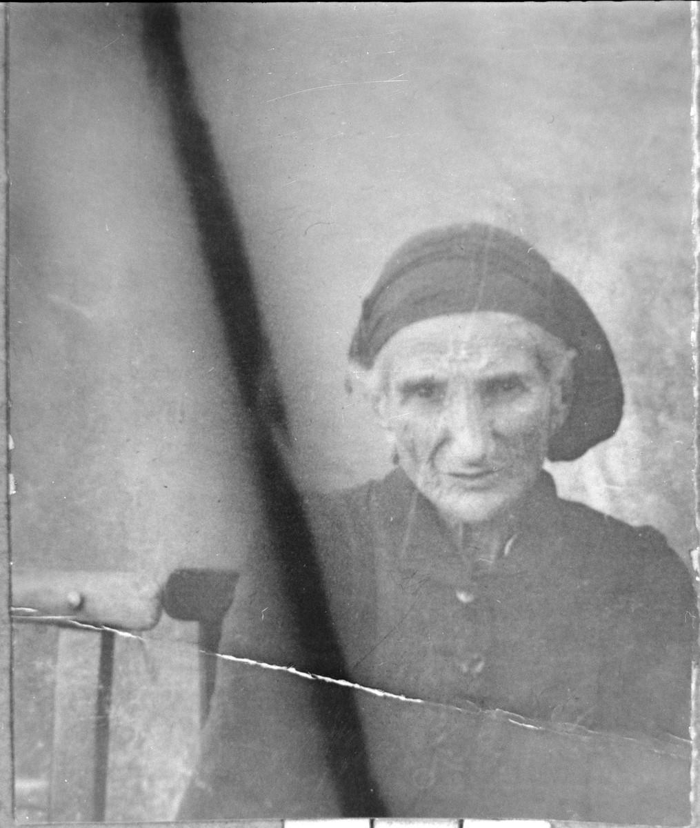 Portrait of Sol Testa, wife of Aron Testa.  She lived at Herzegovatska 40 in Bitola.