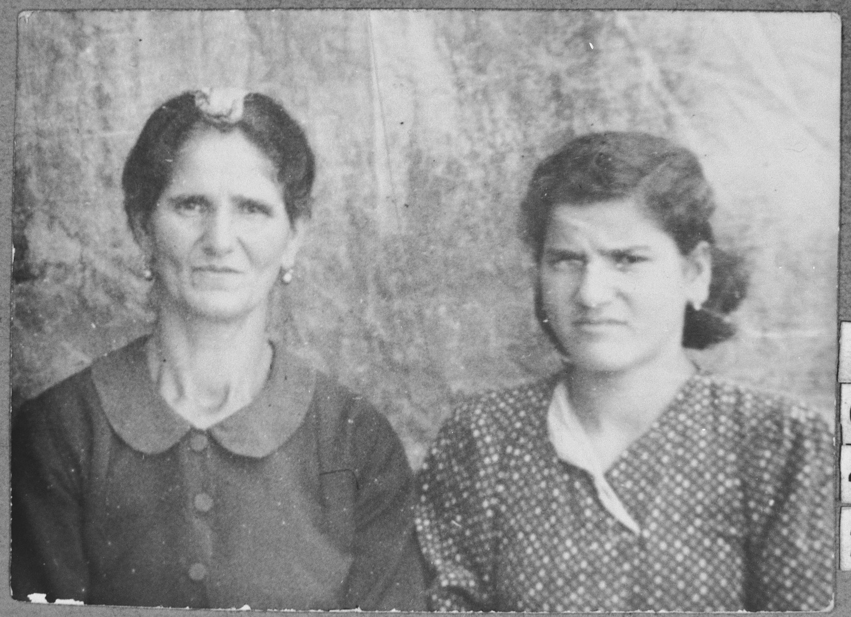Portrait of Ester Hasson, [wife of Aron Hasson], and Aron's daughter, Lunar.  Lunar was a student.  They lived at Krstitsa 11 in Bitola.