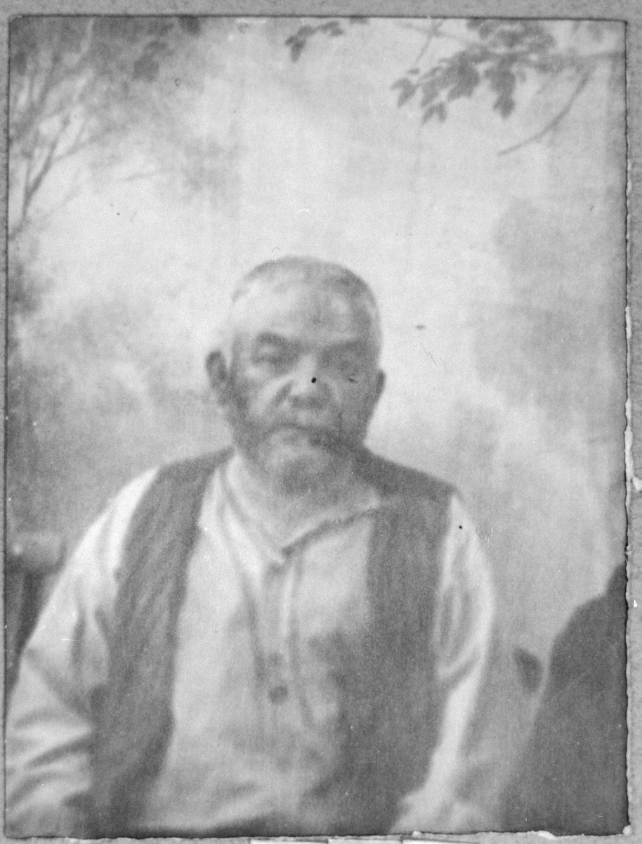 Portrait of Peris Testa.  He was a rag delaer.  He lived at Orisarska 13 in Bitola.
