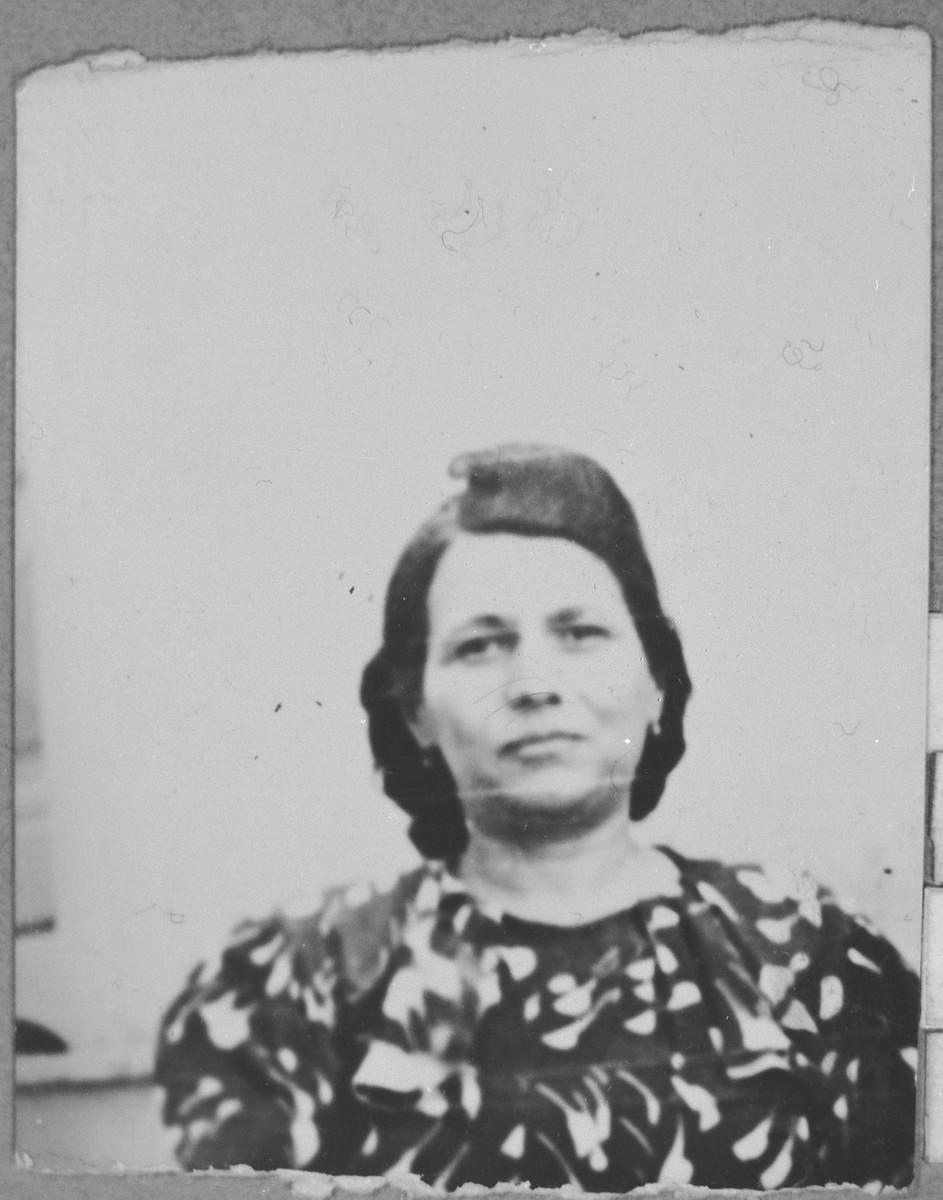 Portrait of Lili Faradji, wife of David Faradji.  She lived at Alimpika 12 in Bitola.