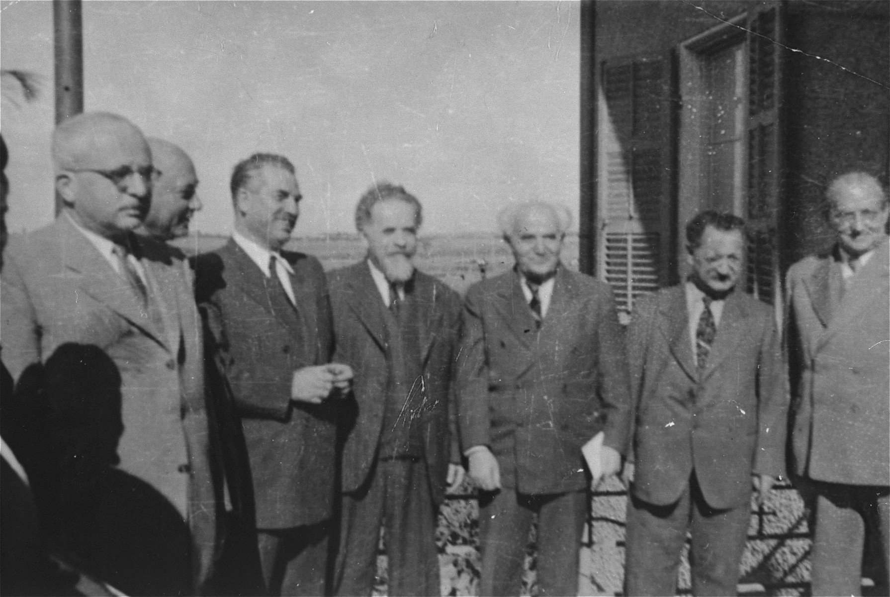 David Ben-Gurion poses with other Jewish leaders in Haifa during the transfer of Exodus 1947 passengers.