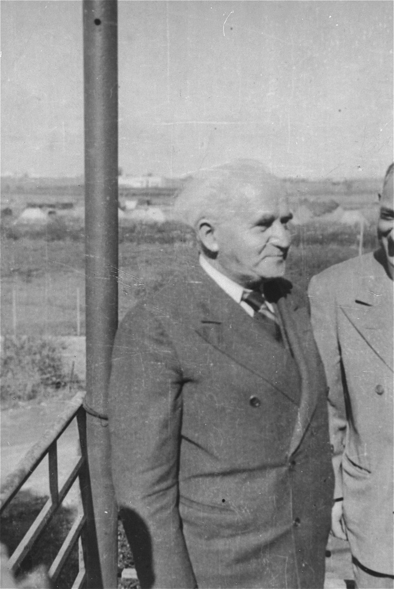 Portrait of David Ben-Gurion in Haifa during the transfer of the Exodus 1947 passengers.