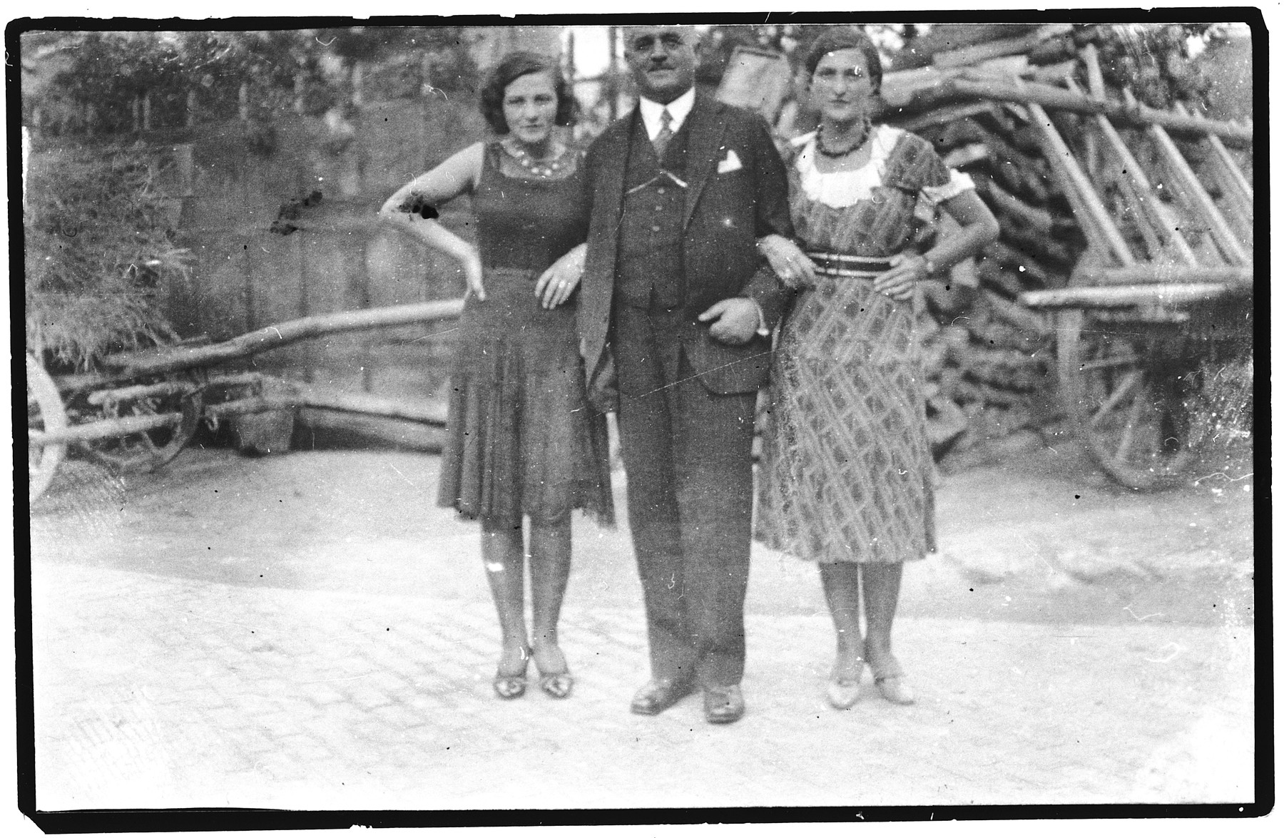 Ignaz Pisker poses with his daughters Helen and Fritzi.