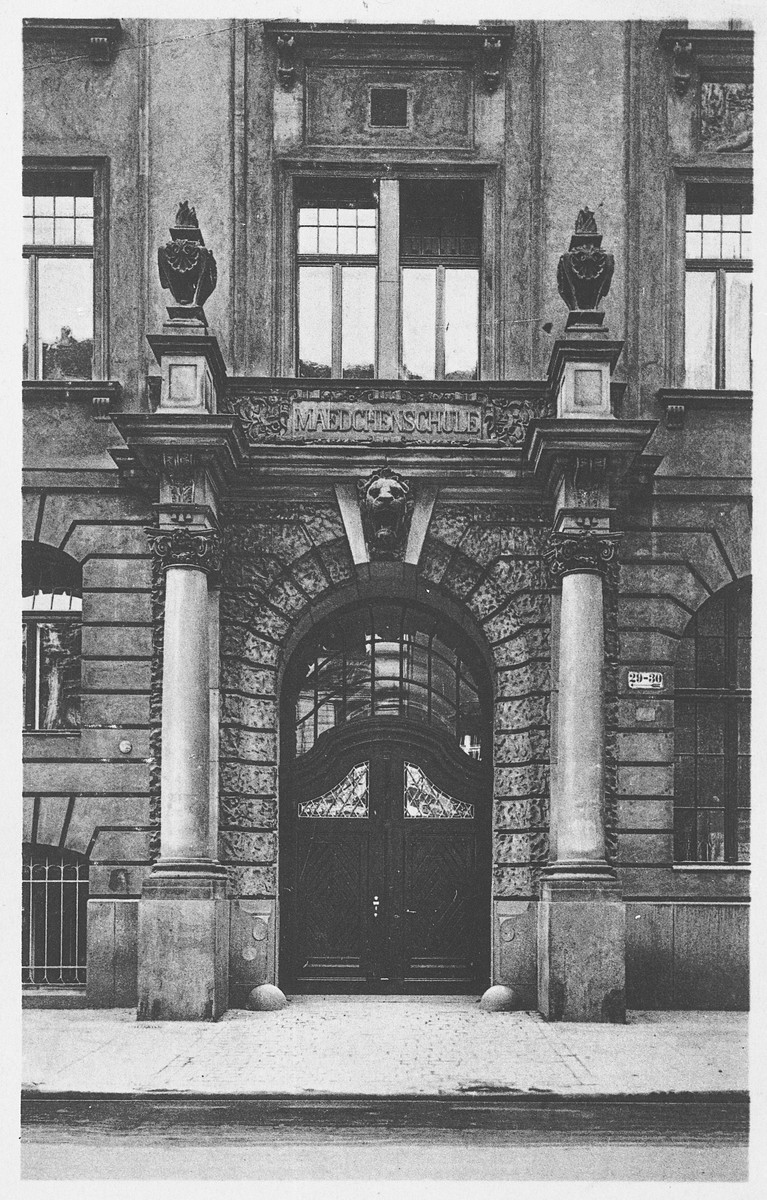 "View of the entrance to the Jewish School for Girls in Berlin, Germany.   Caption on the back page says ""Maedchenmittelschule der juedischen Gemeinde Berlin C 25 Eingang""."