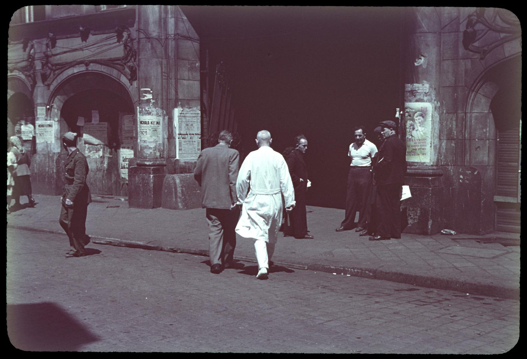 Street scene in postwar Lodz.