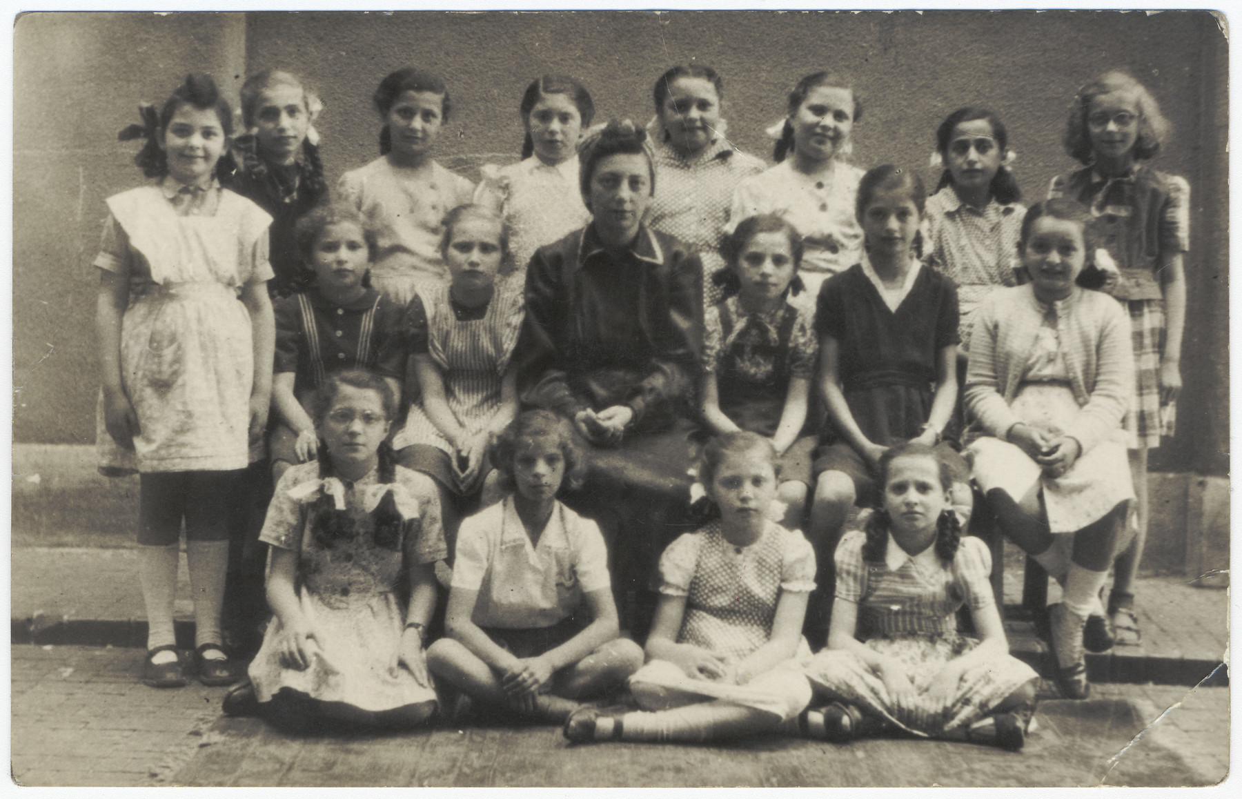 Class portrait of the Kazinczy Schul, a religious elementary school housed in the Orthodox synagogue in Budapest.