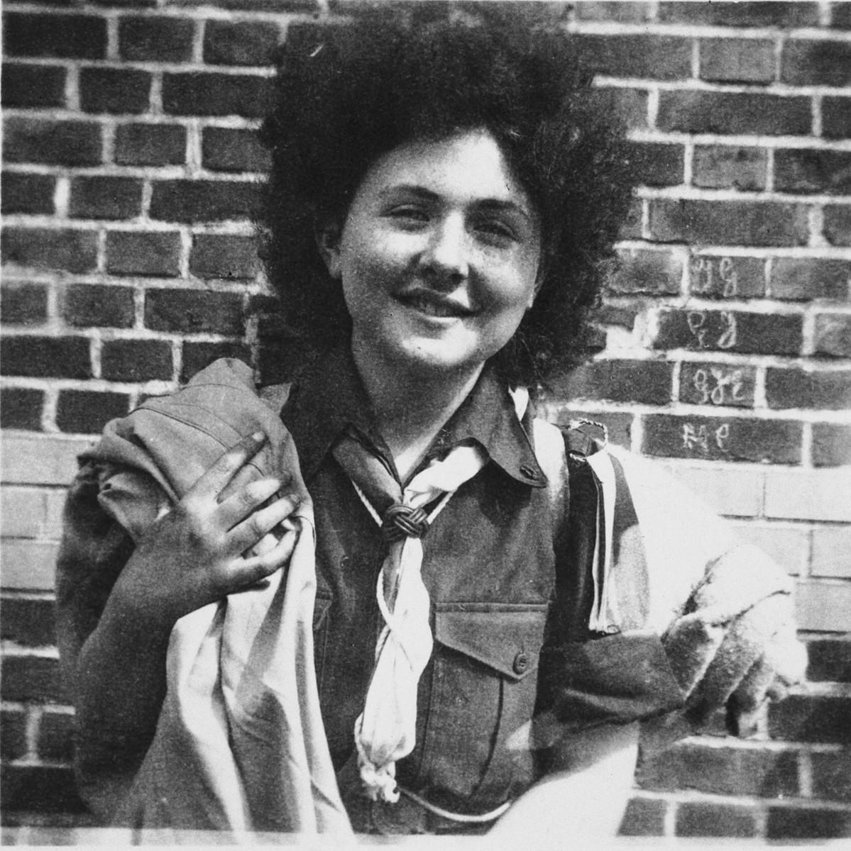 Portrait of Hena Kohn wearing her Gordonia Zionist youth movement uniform after the war.