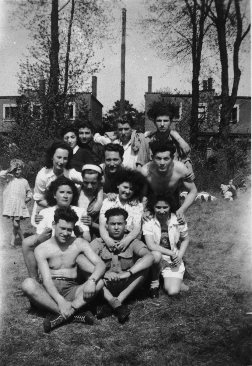 Members of the Gordonia Zionist youth movement in Belgium.