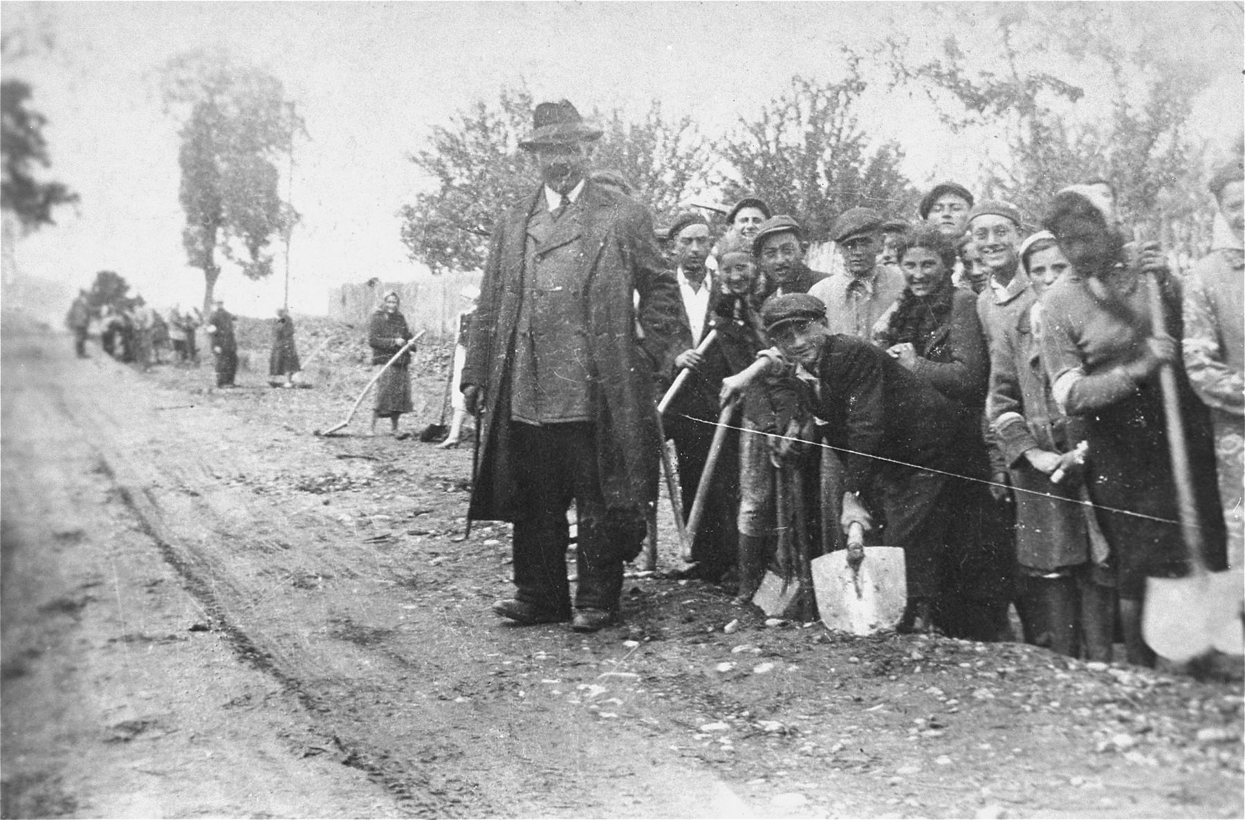 Polish Jews at forced labor in the Kolbuszowa ghetto.