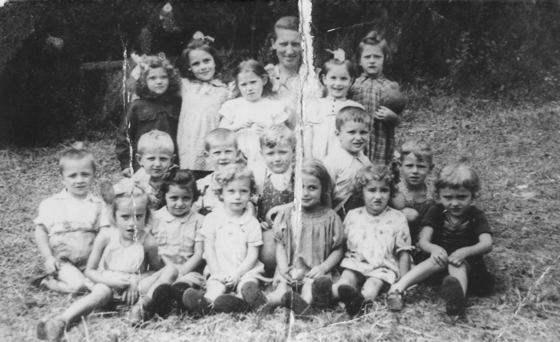 Children in a Jewish summer camp in Liegnitz.  Among those pictured is Wanda Szymeczko.