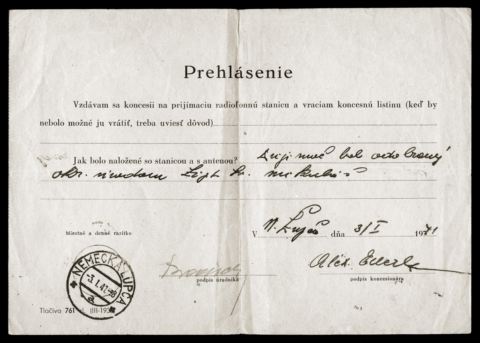 A document ordering Alexander Elbert to voluntarily relinquish his license to own a radio.