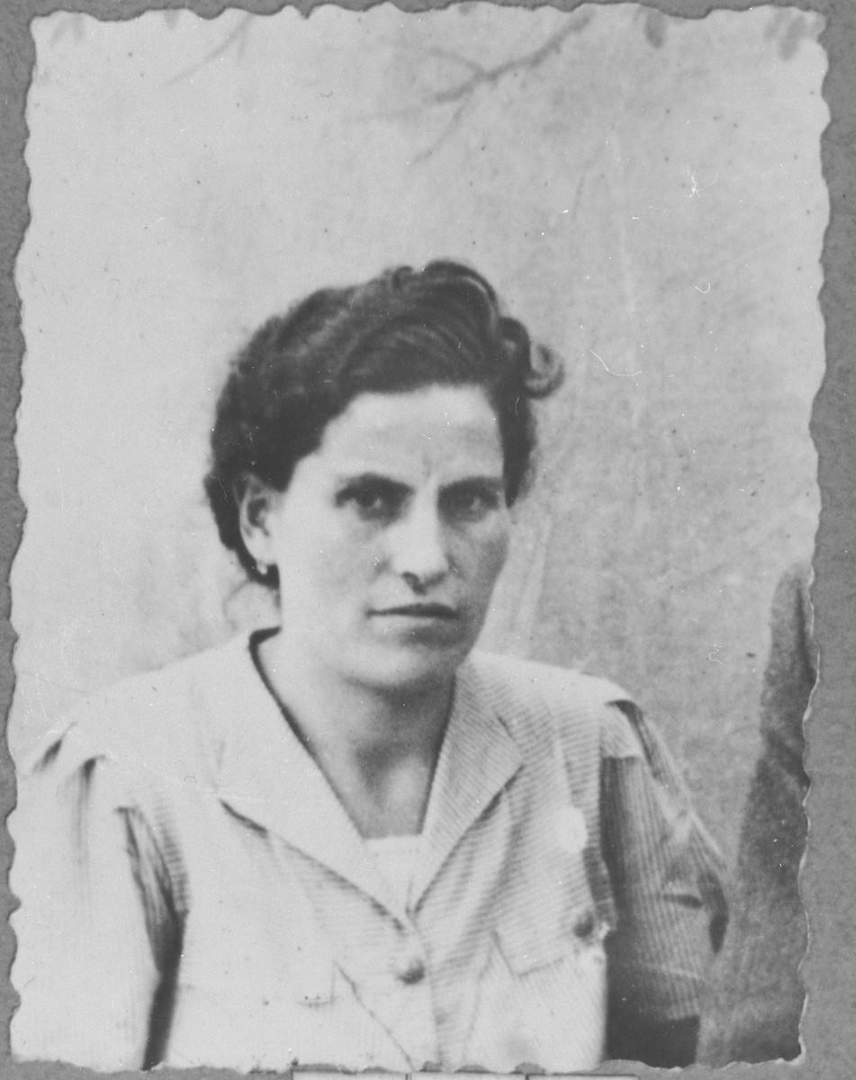 Portrait of Alegra Mishulam, wife of Eliau Mishulam.  She lived at Zmayeva 23 in Bitola.