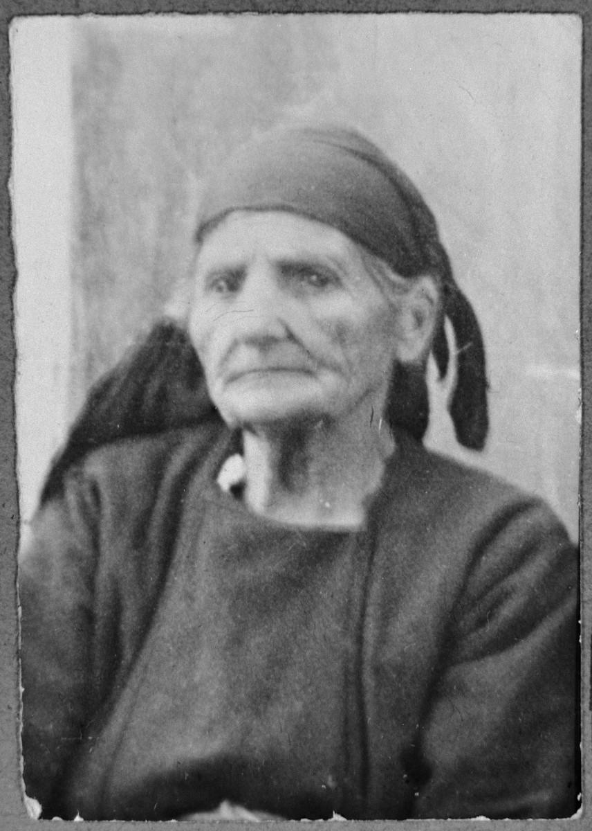 Portrait of Sara Massot (patronymic: Yakov).  She lived at Sinagogina 12 in Bitola.