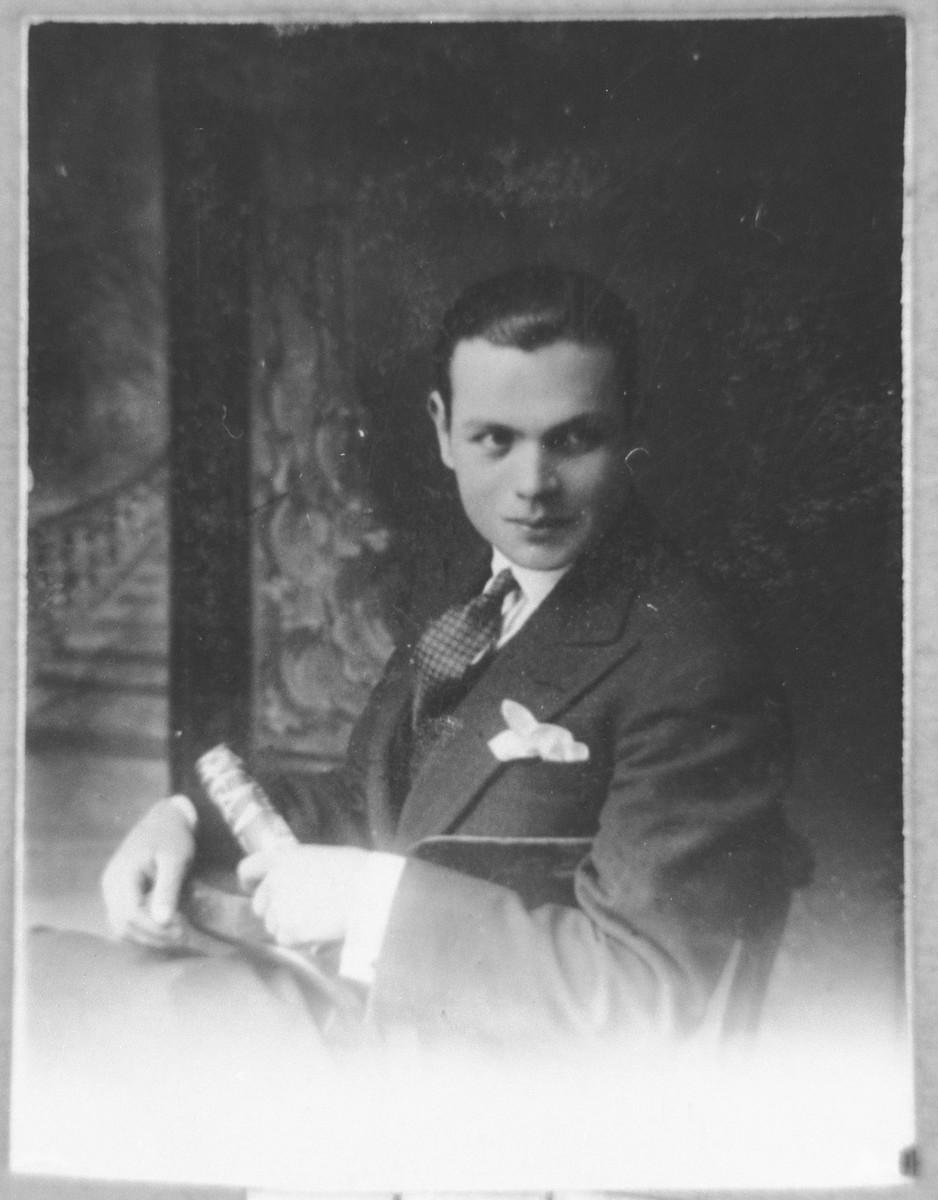 Portrait of Mois Navon.