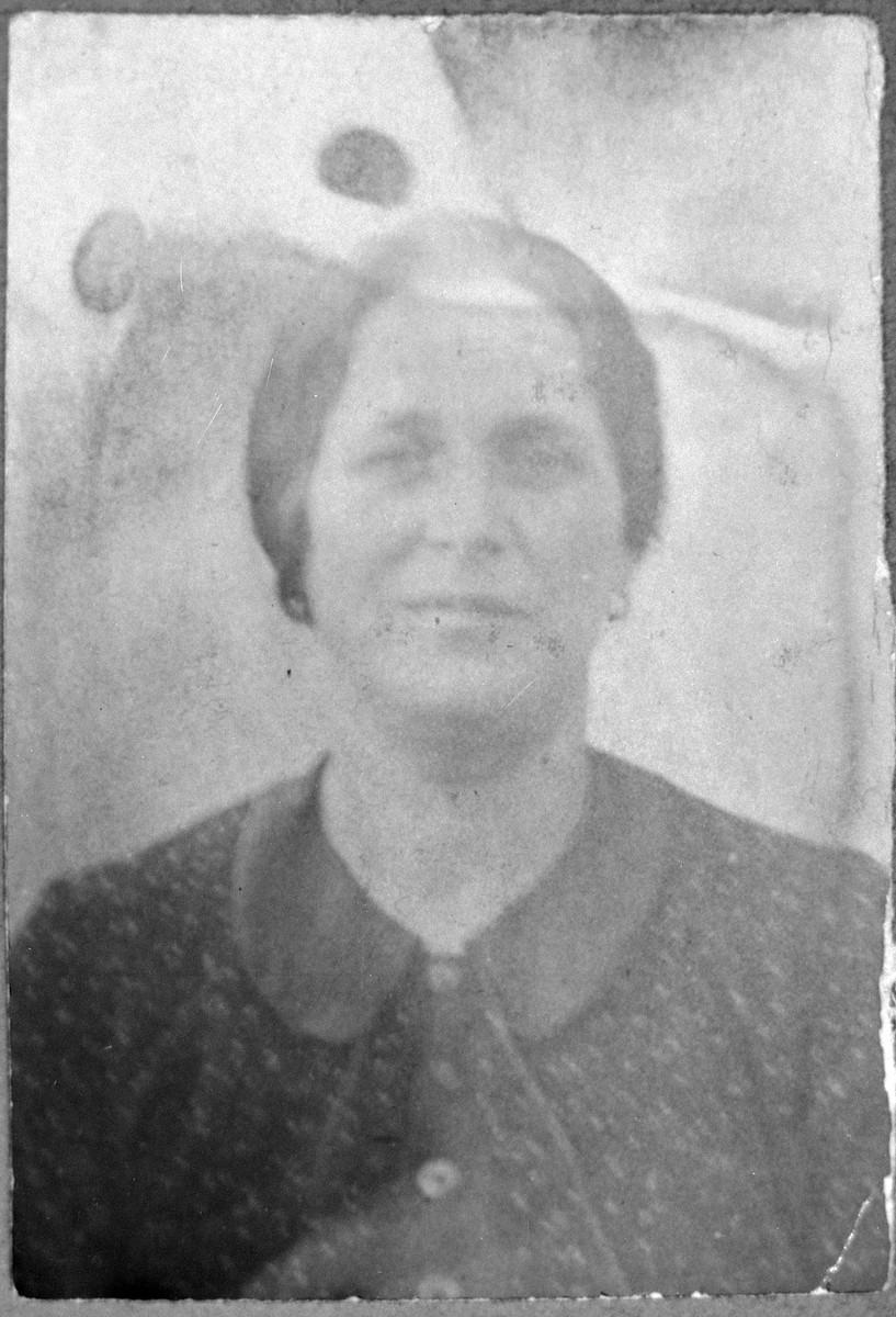Portrait of Reina Nachmias, wife of Isak Nachmias.  She lived at Mitrovatska 14 in Bitola.