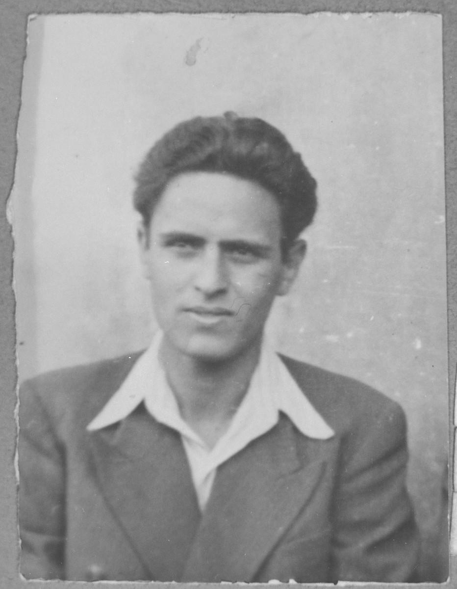 Portrait of Shabetai Nachmias, son of Isak Nachmias.  He was a student.  He was a Mitrovatska 14 in Bitola.