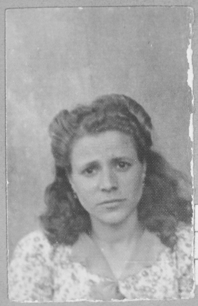Portrait of Sol Rosilio, daughter of Solomon Rosilio.  She lived at Sinagogina 5 in Bitola.