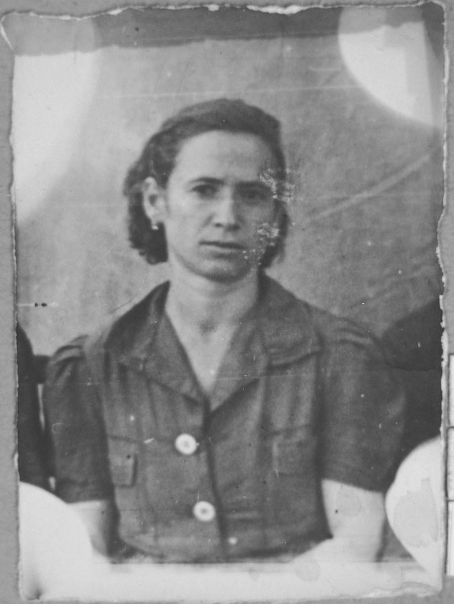Portrait of Regina Rosilio, wife of Yeuda Rosilio.  She lived at Zmayeva 25 in Bitola.