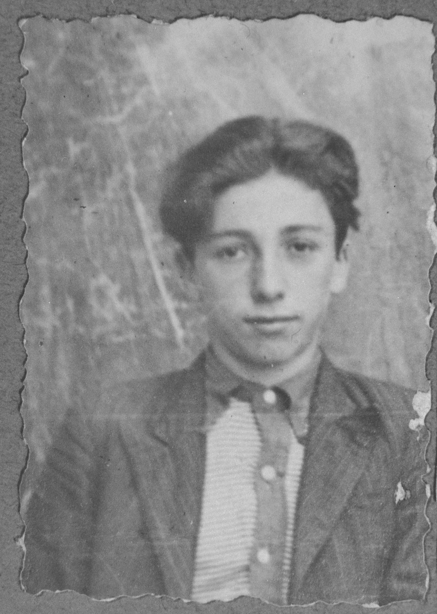 Portrait of Yosef Russo, son of Benyamin Russo.  He was a student.  He lived on Karagoryeva in Bitola.