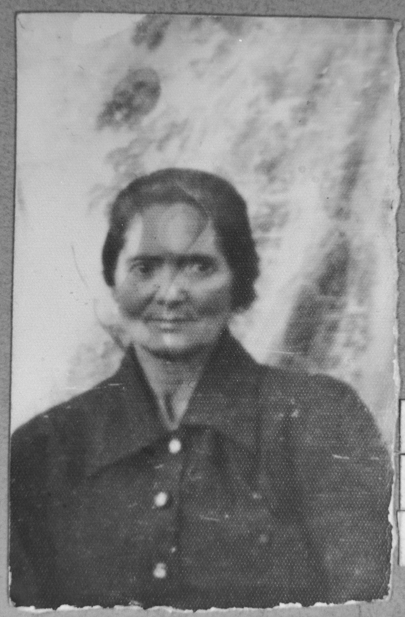 Portrait of Hana Pardo, wife of Samuel Pardo.  She lived at Banatska 22 in Bitola.