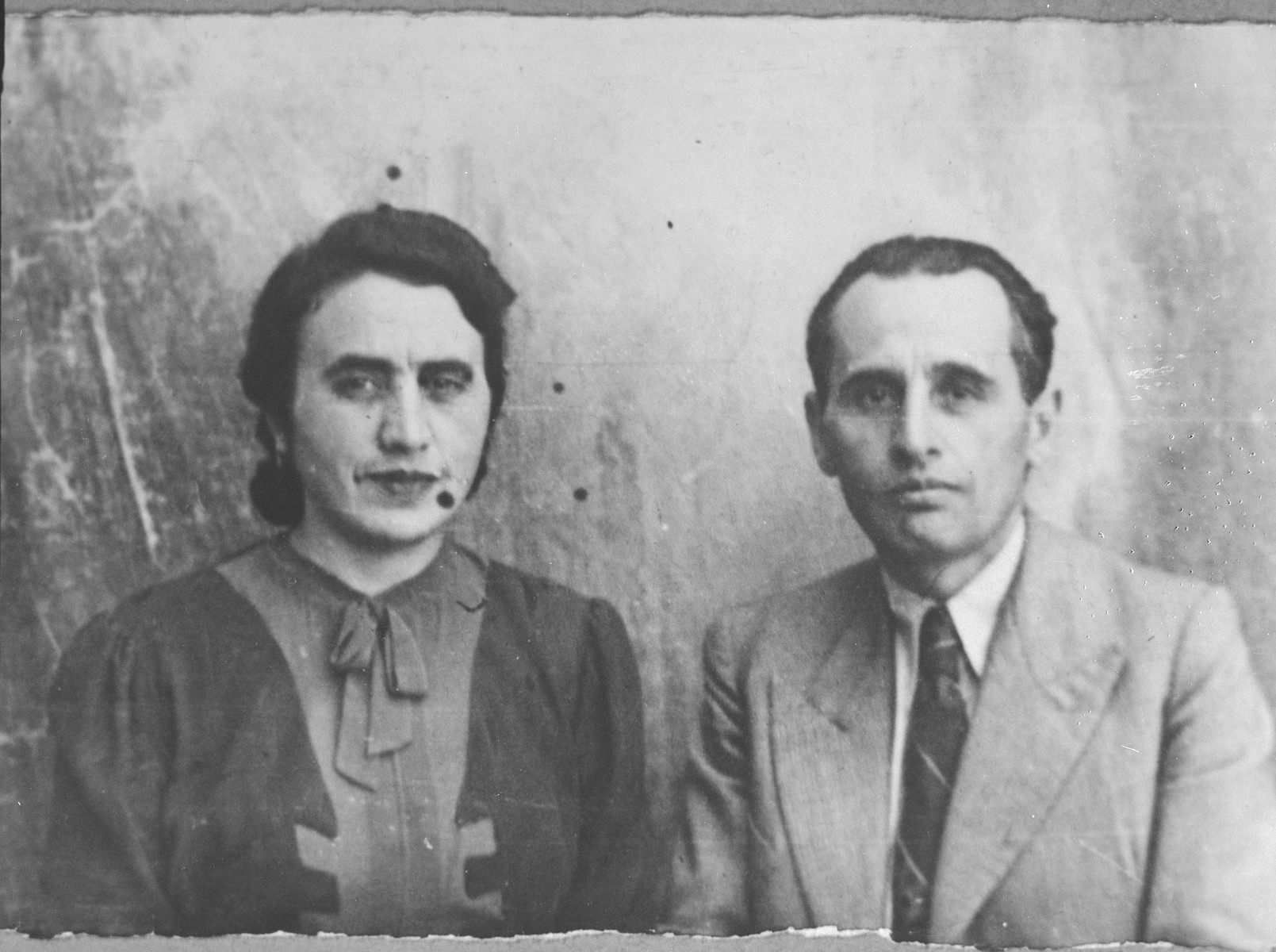 Portrait of Solomon Pardo, son of Mushon Pardo, and Solomon's wife, Regina.  Solomon was a grocer.  They lived at Karagoryeva 56 in Bitola.