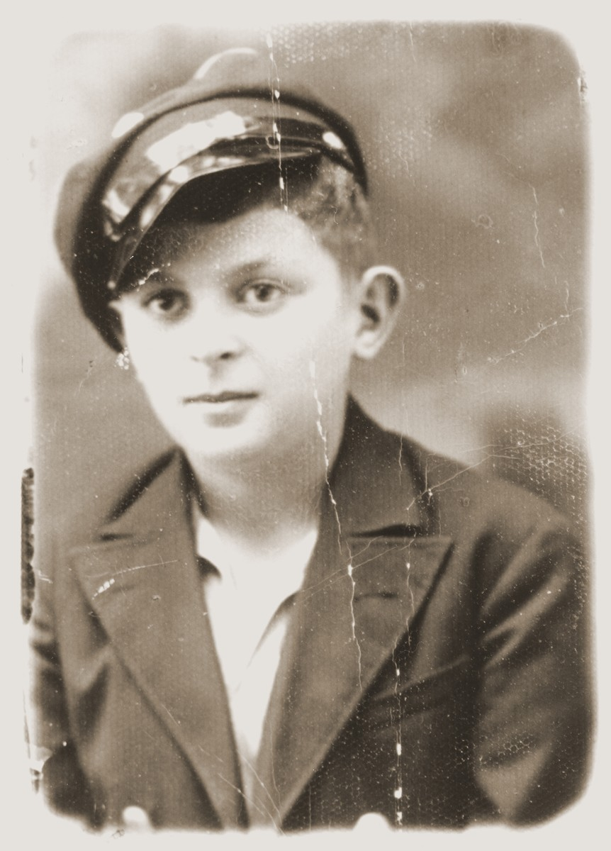 Portrait of a Jewish boy dressed in his school uniform.  Pictured is Sigmund Hochberg.