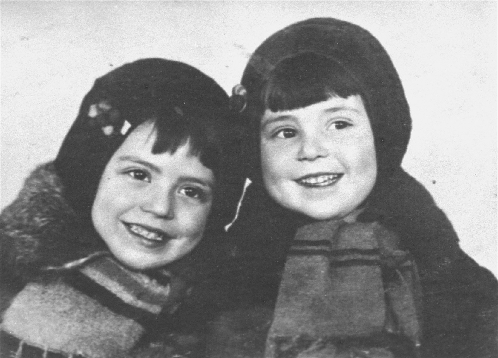 Portrait of four-year-old Malvina Babat and three-year-old Polina Babat, who were killed at Babi Yar.