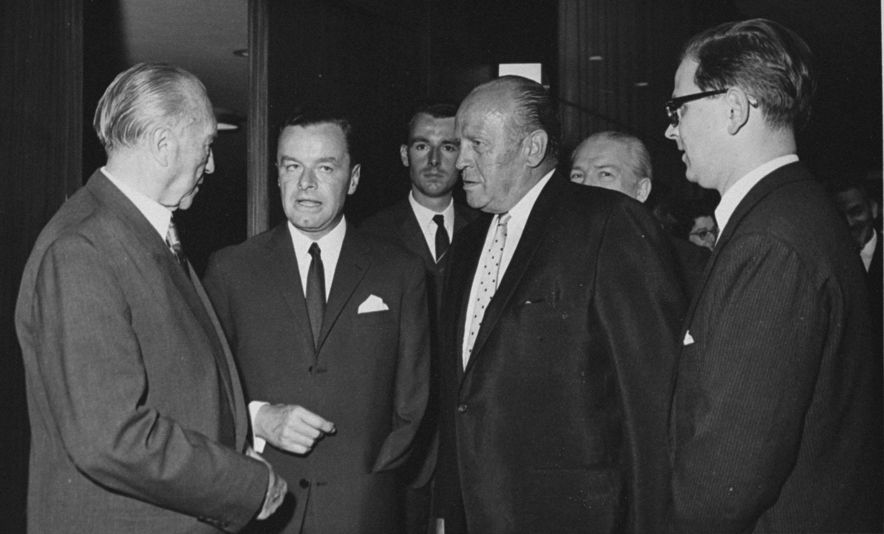Oskar Schindler (center) with Konrad Adenauer, Chancellor of Germany.  The man in the middle is Germany's first ambassador in Israel, Rolf Friedemann Pauls. Over his left shoulder (to his right in the picture) is his consultant, cultural attache Jörg von Uthmann.