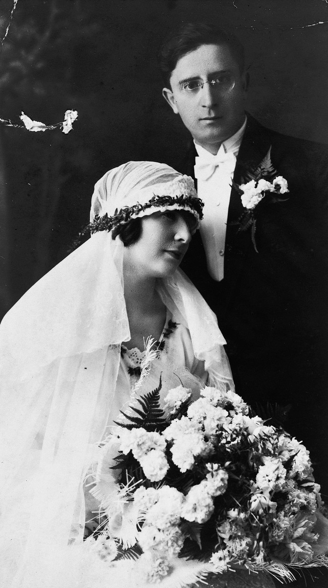 Wedding portrait of Leon Huess and Rosa Bikales.