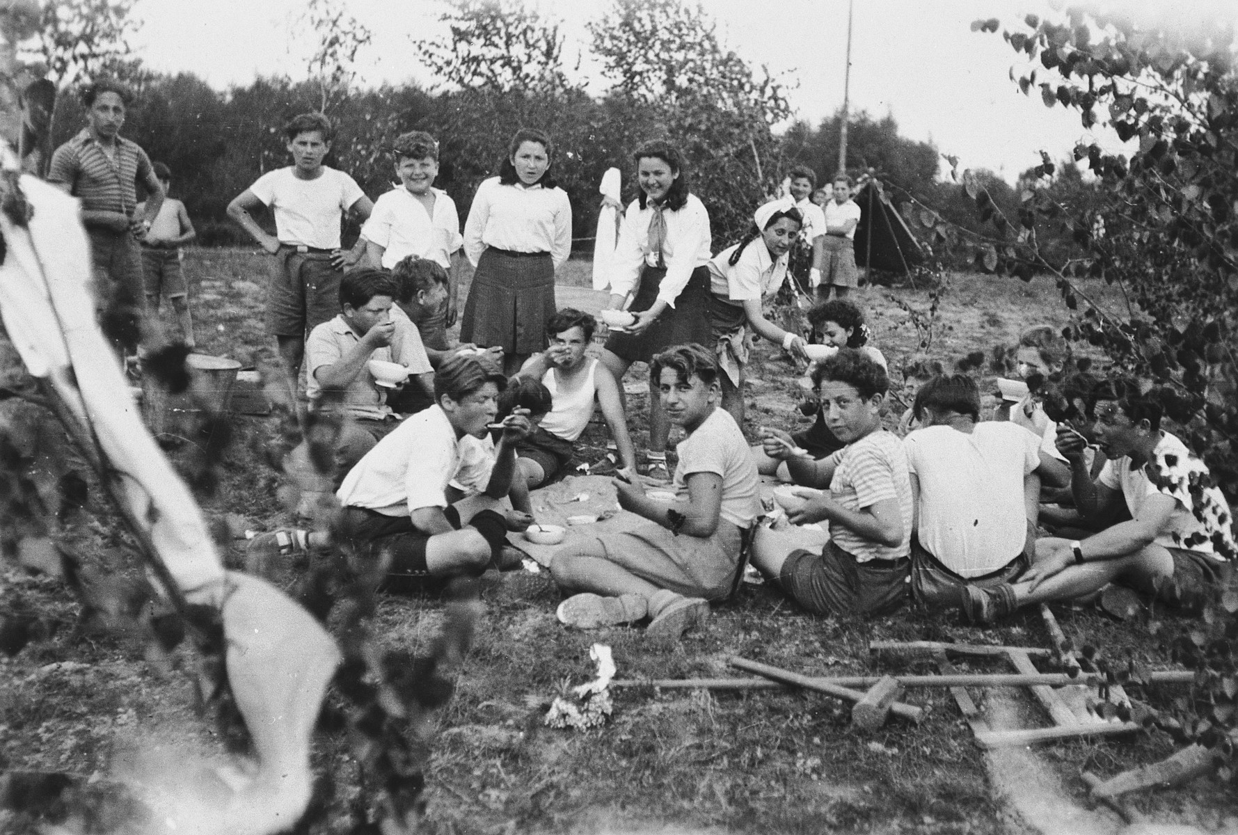Betar Zionist youth from the Foehrenwald DP camp go on a camping trip.