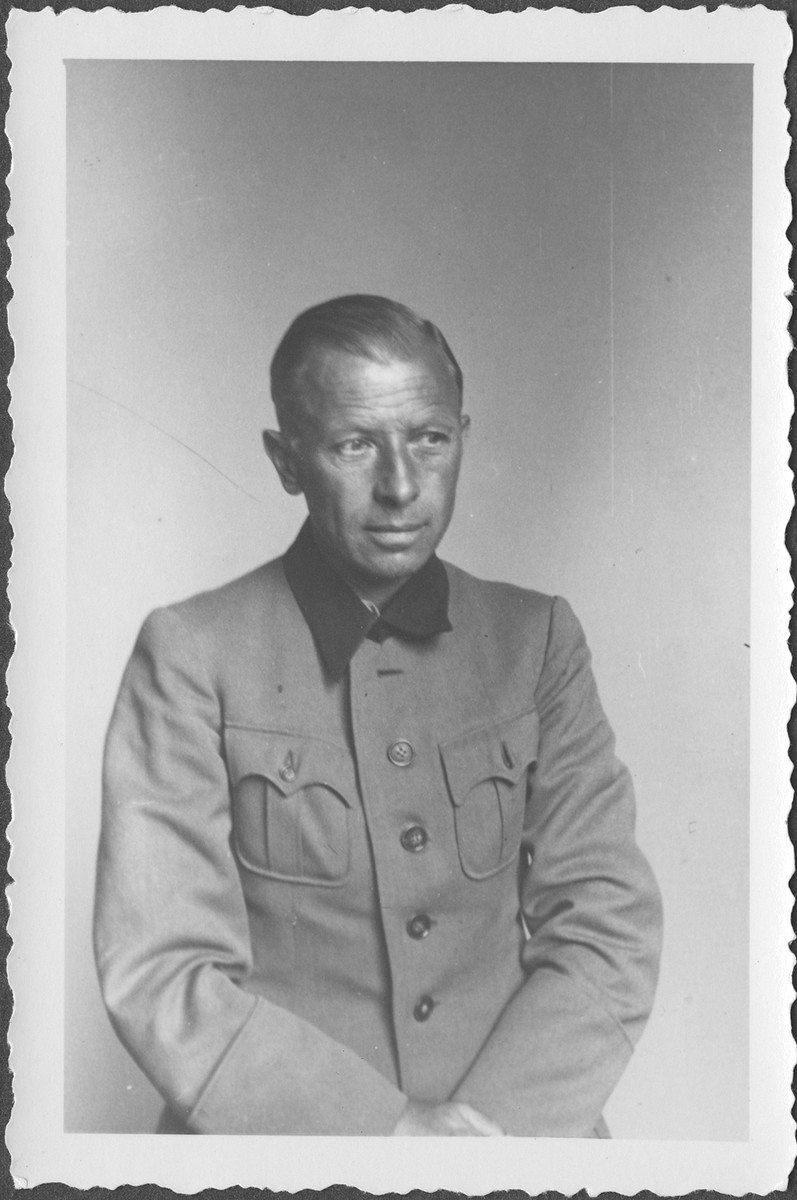 Portrait of General Adolf Heusinger, former Chief of Army Operations at the IMT Nuremberg commission hearings investigating indicted Nazi organizations.