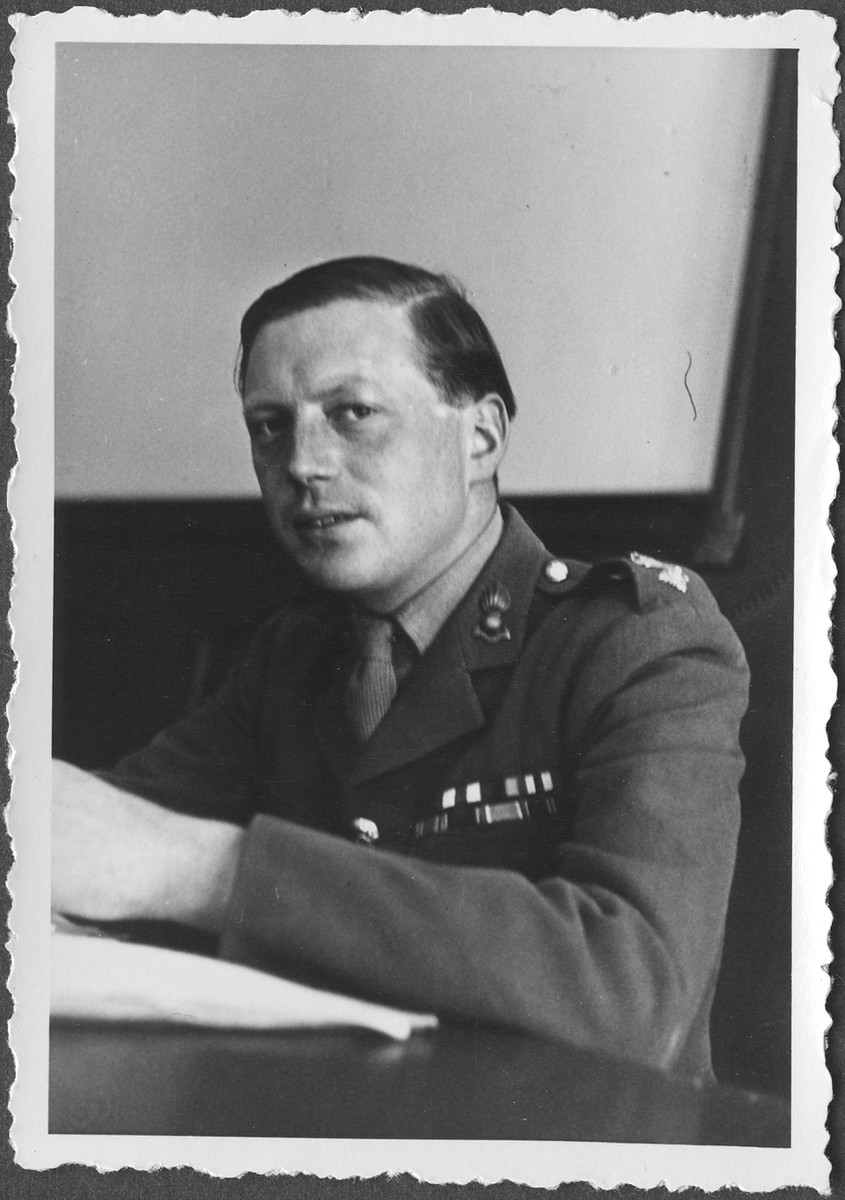 Portrait of Lt. Colonel Airey Neave, Chief Commissioner at the IMT Nuremberg commission hearings investigating indicted Nazi organizations.
