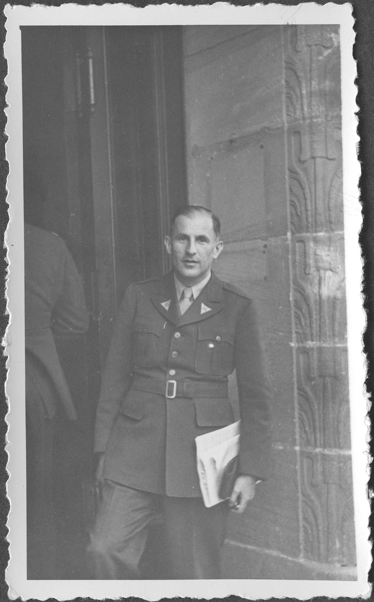 American assistant prosecutor Robert Kempner, at the IMT Nuremberg commission hearings investigating indicted Nazi organizations.