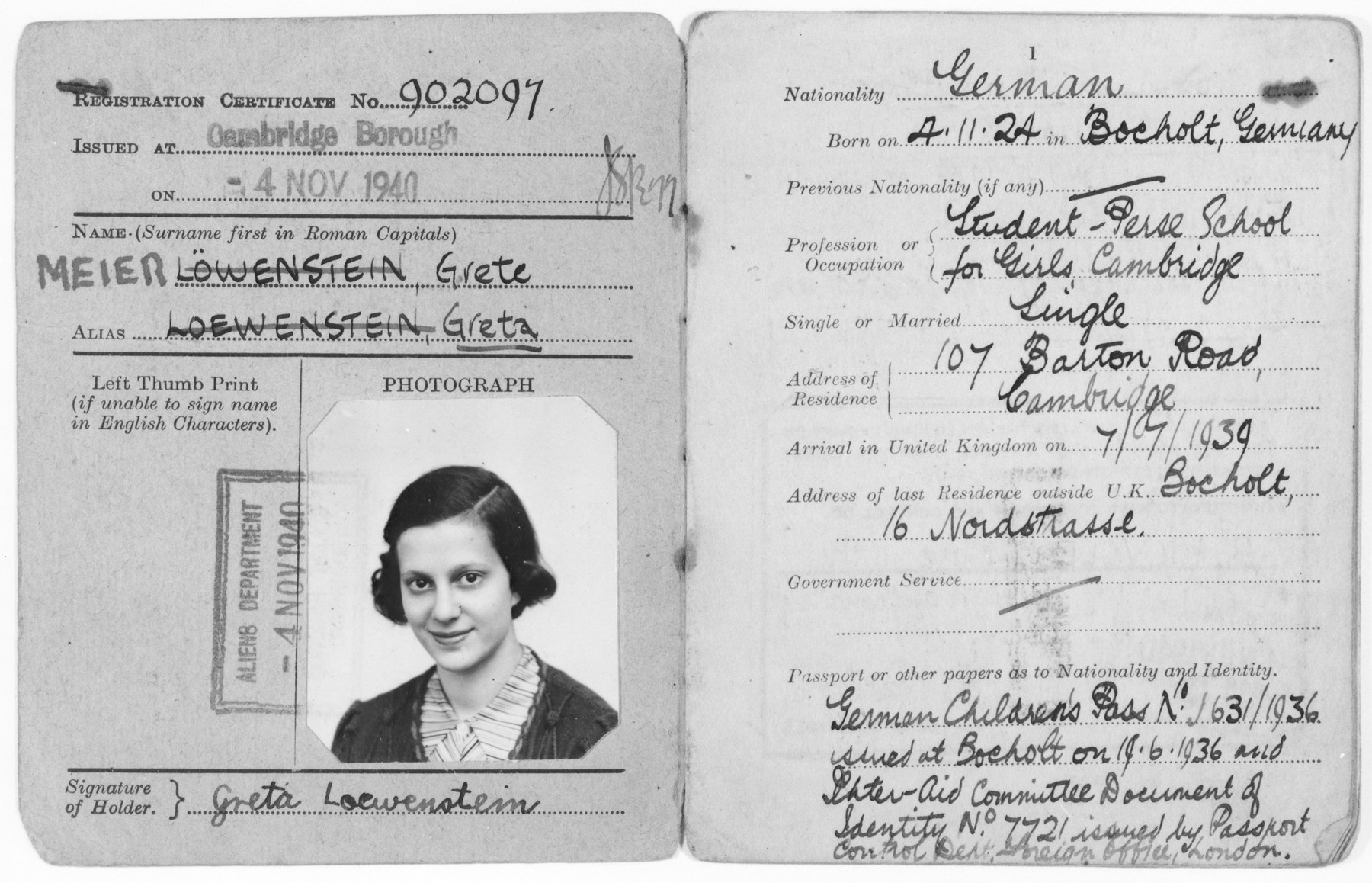 Certificate of registration issued to Grete Loewenstein who came to England on a Kindertransport in July 1939.