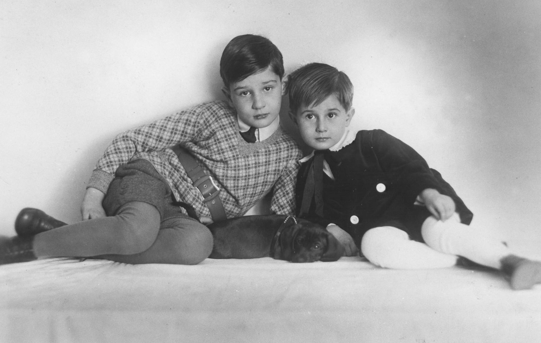 Studio portrait of Gustav and Frankisek Schiller.