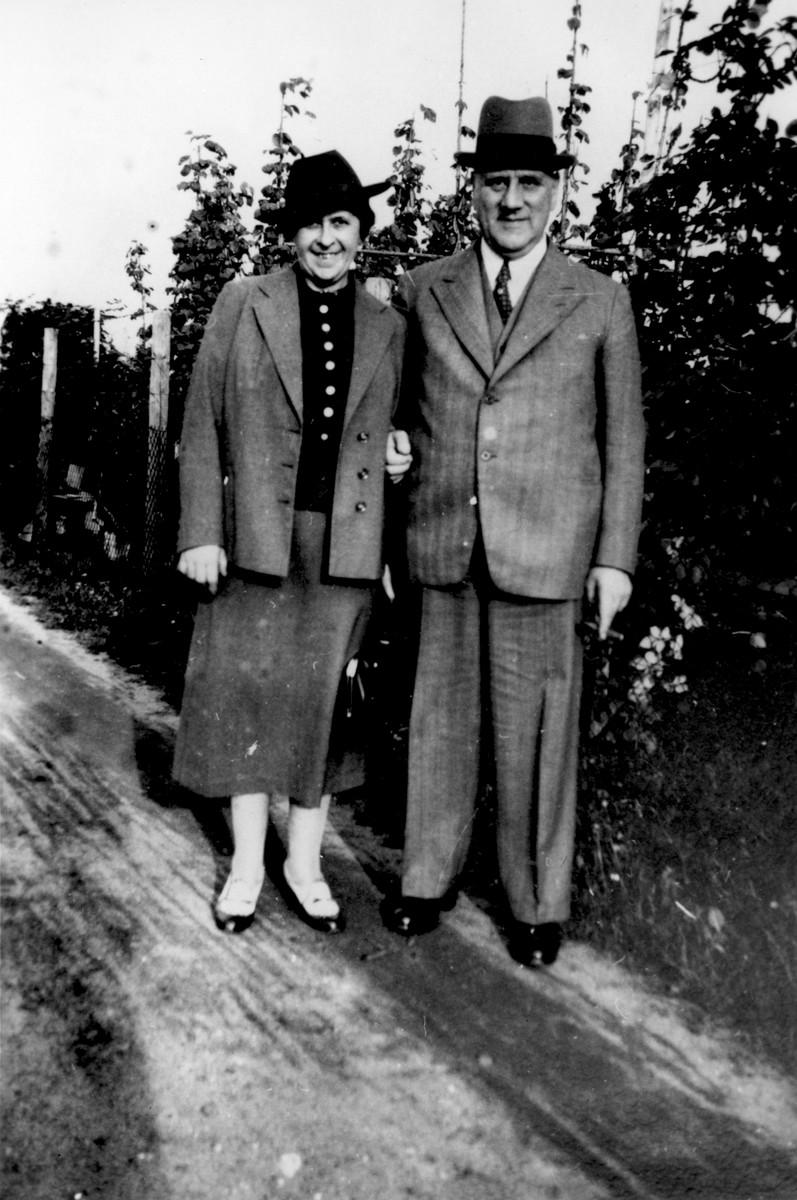 Gertrud and Sigmund Gotthelf in Frankfurt.
