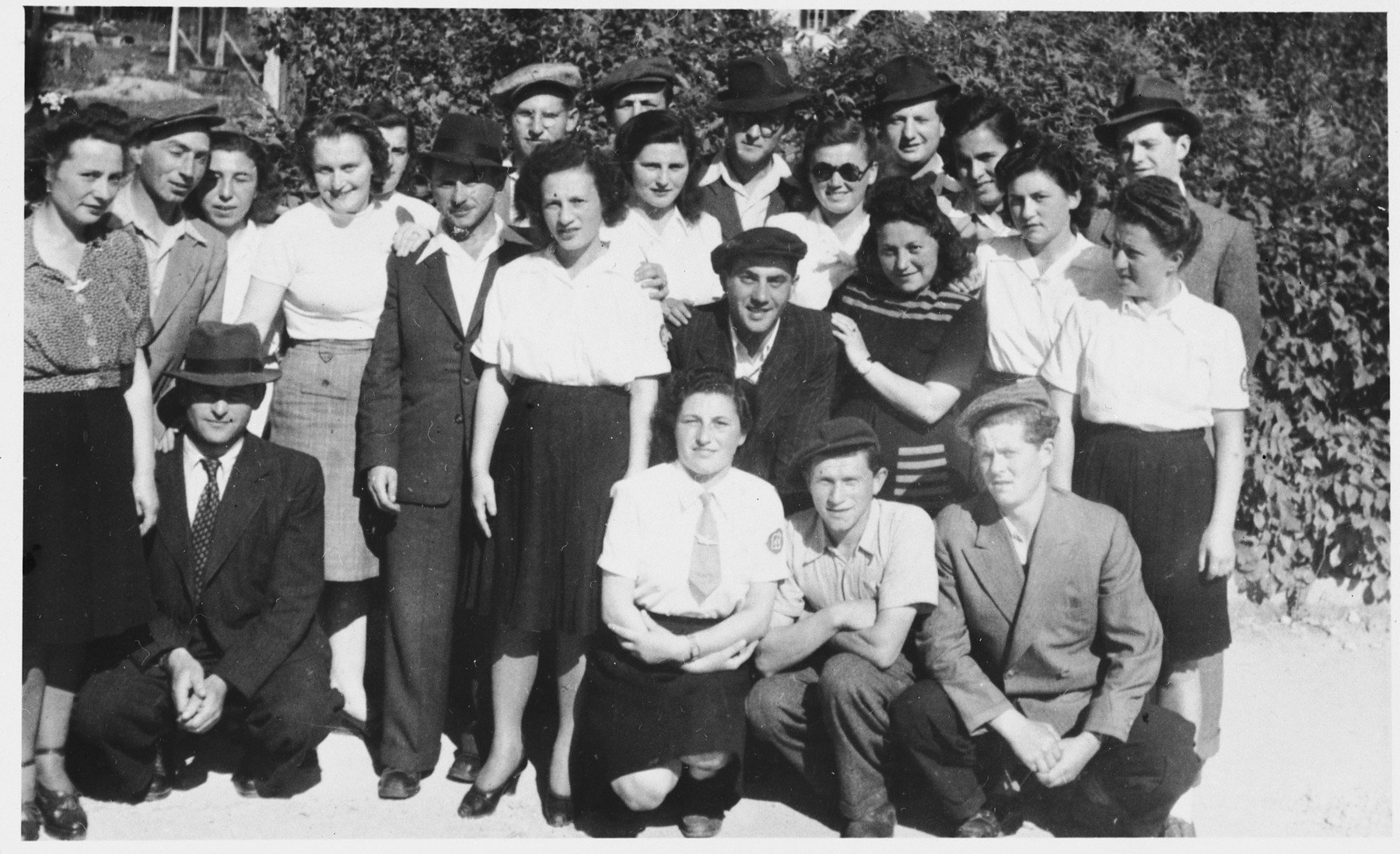 Group portrait of Jewish DPs in the Braunau displaced persons camp.