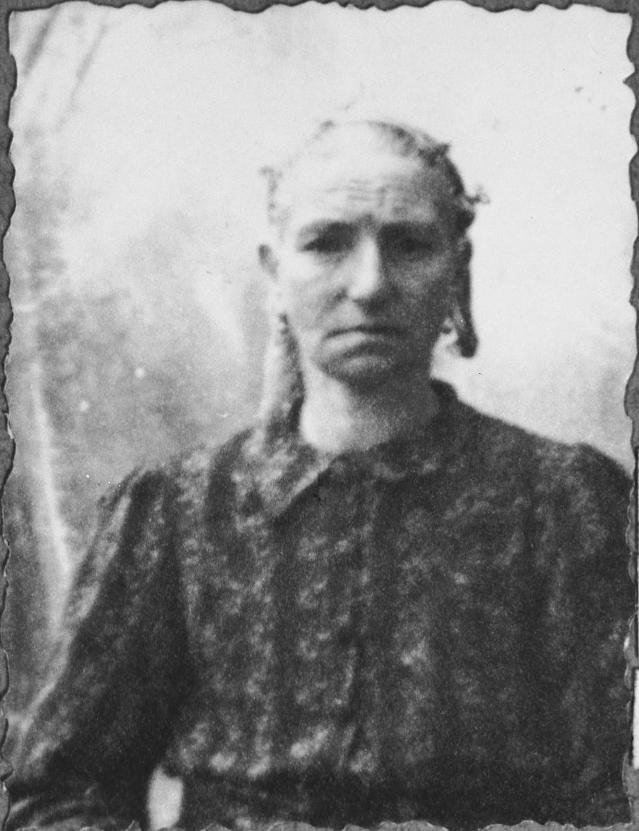 Portrait of Dona Kassorla, wife of Shua Kassorla.  She lived at Mitrovatska 12 in Bitola.
