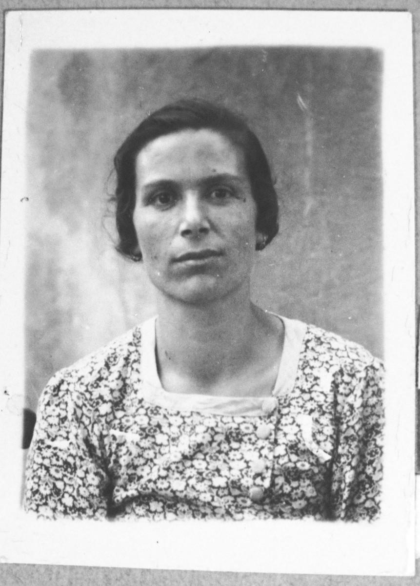 Portrait of Sara Kassorla, wife of Haim Kassorla.  She lived at Avliya 9 in Bitola.