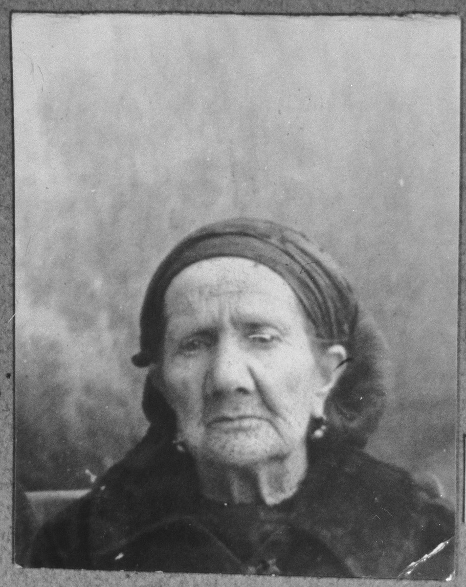 Portrait of Bohora Kassorla, wife of Solomon Kassorla.  She lived at Zmayeva 6 in Bitola.