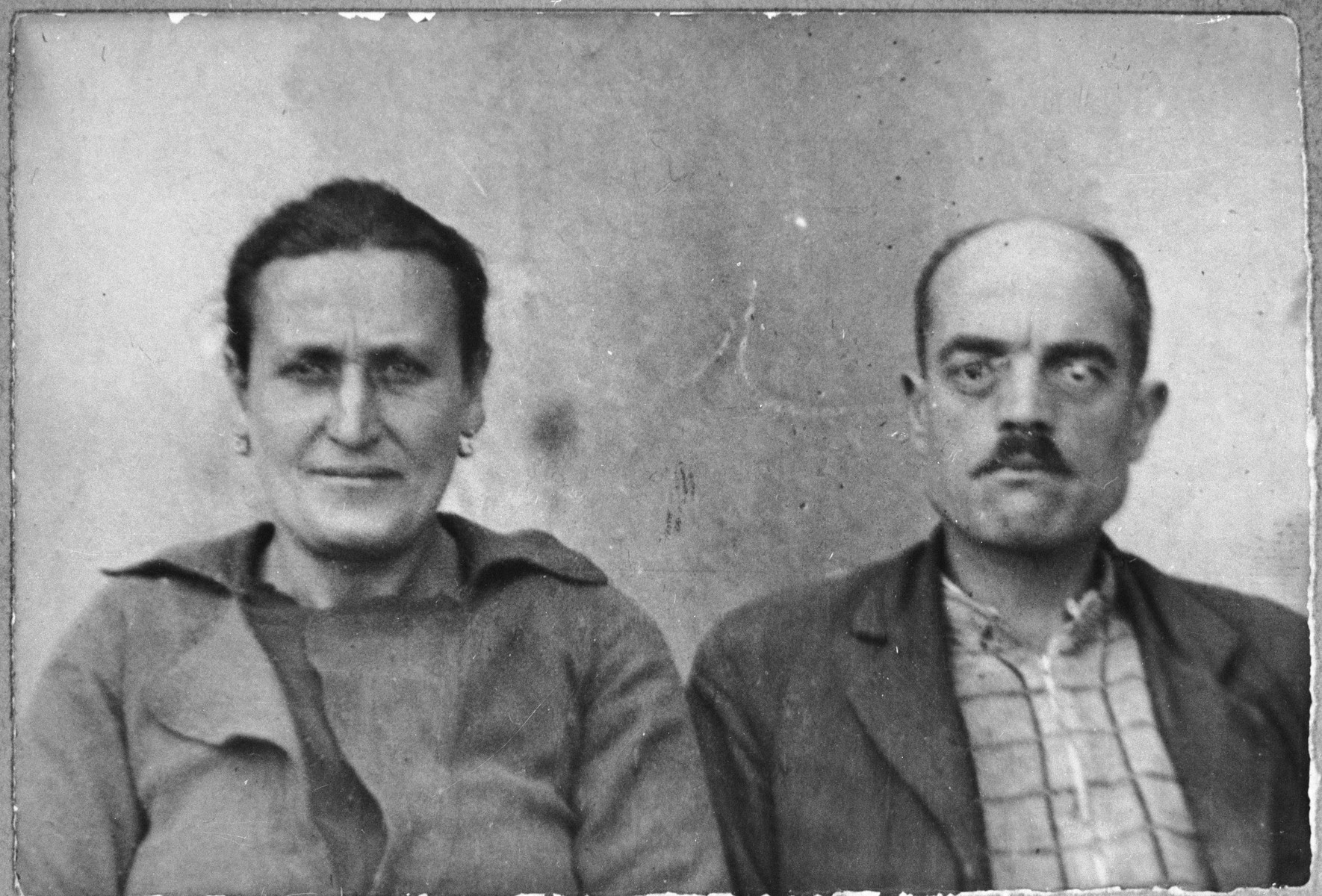 Portrait of Avram Koen and his wife, Mazalto.  Avram was a rag dealer and Mazalto, a laundress.  They lived at Zmayeva 18 in Bitola.