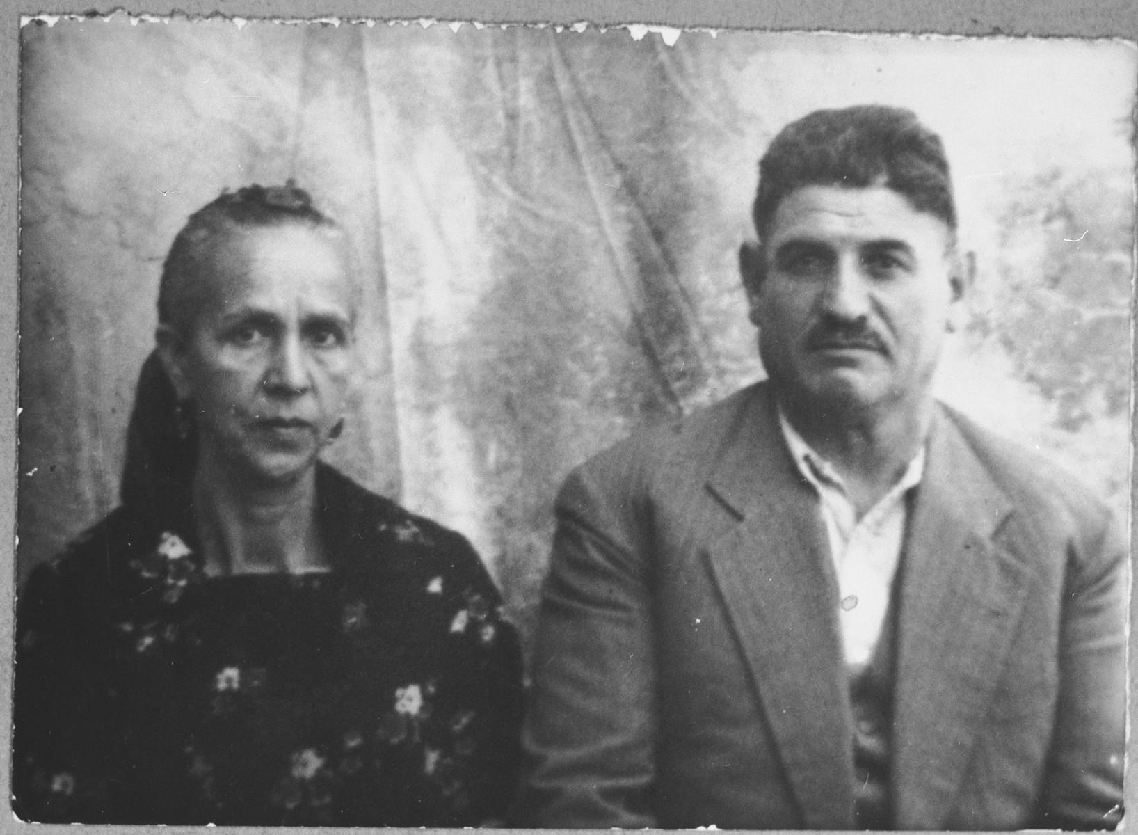 Portrait of Avram Koen and [his wife], Vida.  Avram was a second-hand dealer.  He lived at Gligora 14 in Bitola.