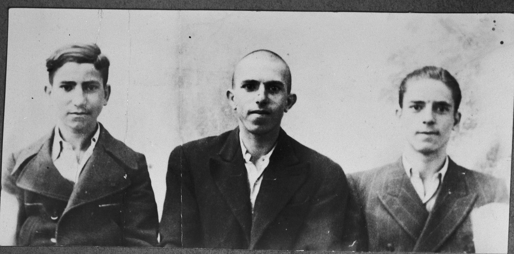 Portrait of Yakov, Avram, and Yosef Kassorla, sons of Shua Kassorla.  They were students.  They lived at Mitrovatska 12 in Bitola.