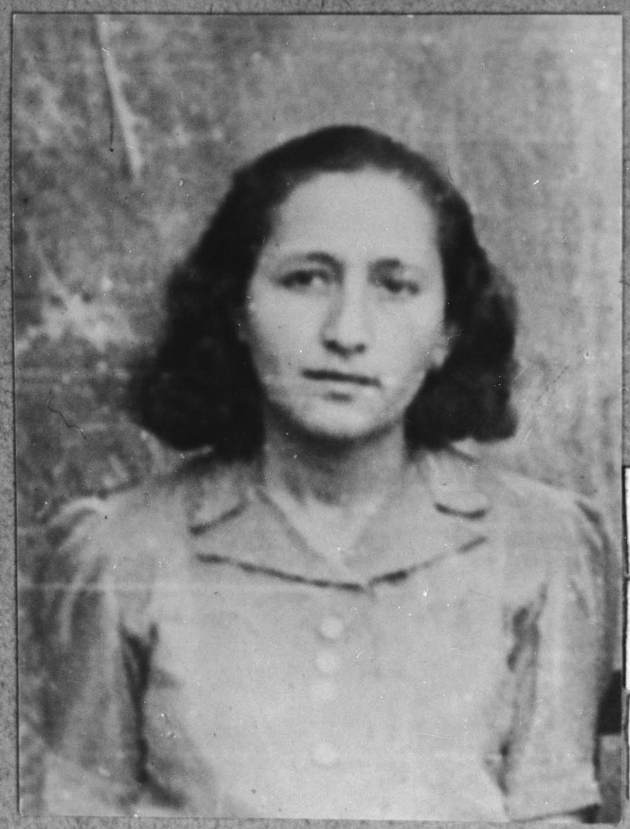 Portrait of Buena Kassorla, daughter of Solomon Kassorla.  She was a student.  She lived at Asadbegova 13 in Bitola.