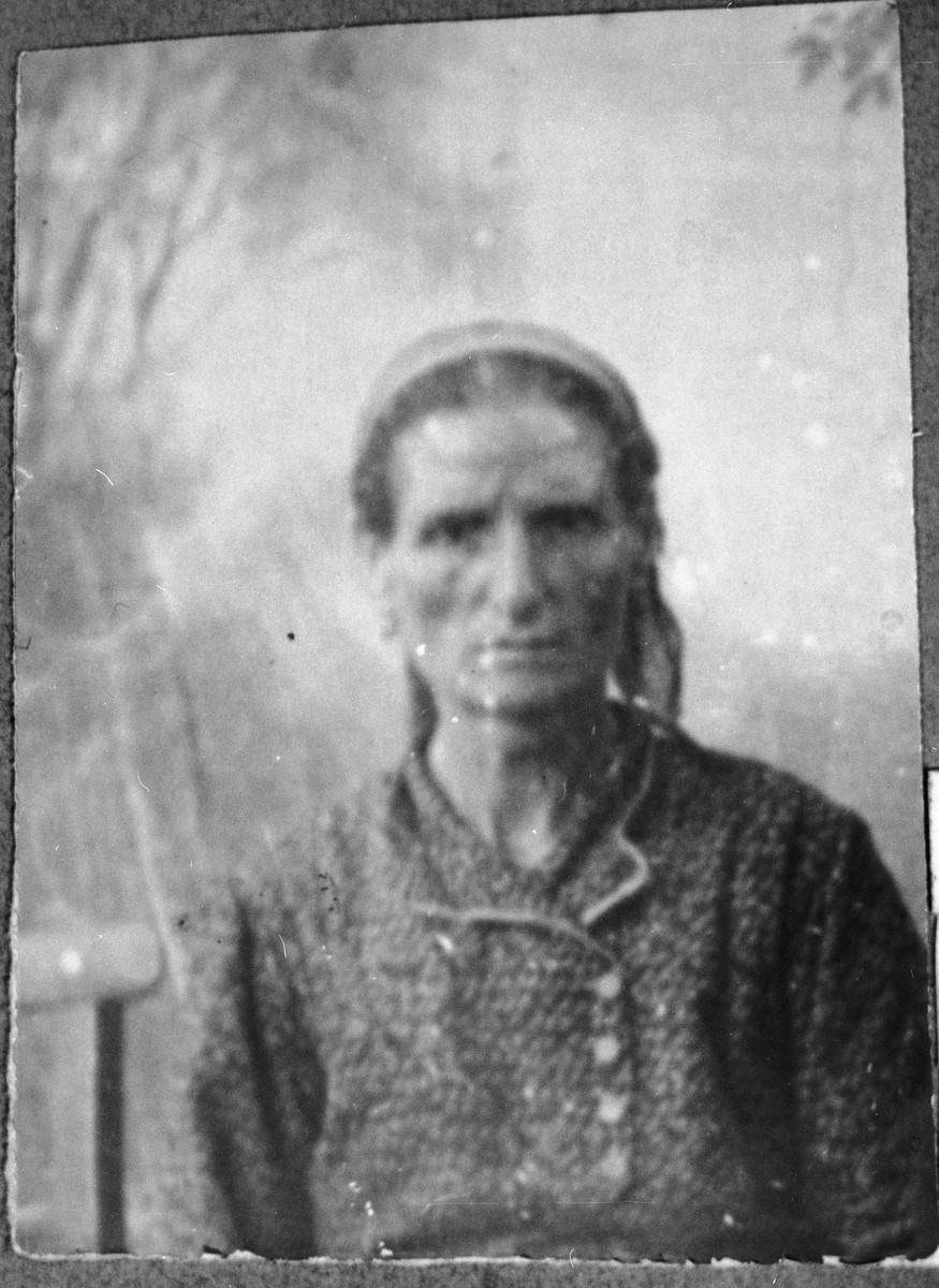 Portrait of Sara Koen, wife of Aron Koen.  She lived at Karagoryeva 75 in Bitola.