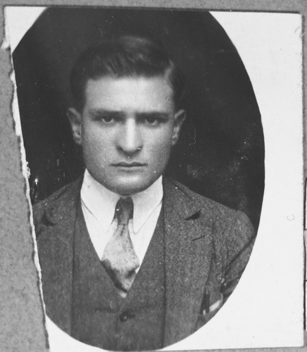 Portrait of Eliau Kassorla, son of Solomon Kassorla.  He was a grocer.  He lived at Drinska 81 in Bitola.