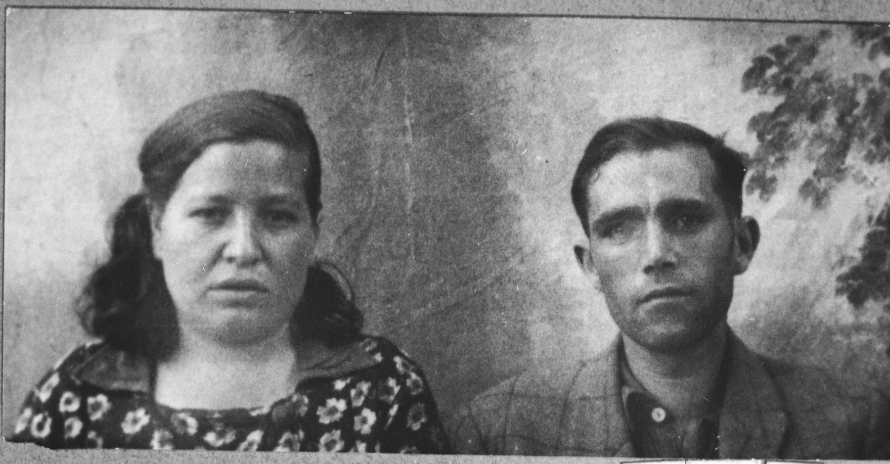 Portrait of Solomon Katan, son of Haim Katan, and Solomon's wife, Palomba.  They lived at Karagoryeva 95 in Bitola.