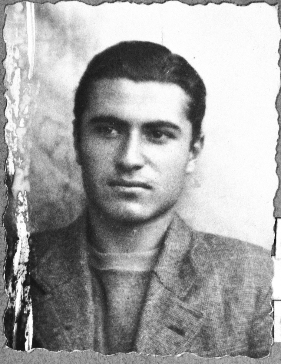 Portrait of Solomon Kassorla, son of Shua Kassorla.  He was a student.  He lived at Karagoryeva 54 in Bitola.
